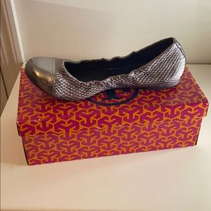 AUTHENTIC Tory Burch Pewter flats